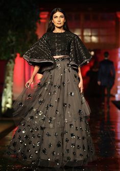 Contemporary Art 2019 Archives - Page 3 of 9 - Indian Wedding Gowns, Indian Gowns Dresses, Pakistani Bridal Dresses, Lehnga Dress, Bridal Lehenga Choli, Cape Lehenga, Anarkali, Choli Designs, Lehenga Designs