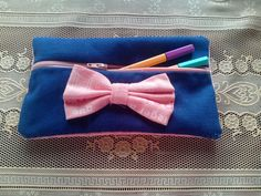 Cute pencil case!! Cute Pencil Case, Pencil Cases, Crafts To Do, Easy Crafts, Arts And Crafts, Sewing Ideas, Sewing Crafts, Middle School, Back To School
