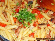 Paste cu bacon si ciuperci 10 Bacon, Pasta Salad, Paste, Cherry, Food And Drink, Ethnic Recipes, Crafts, Diet, Crab Pasta Salad