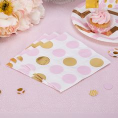 A snazzy take on a party essential, these glamorous napkins help to create a stunning look for your celebration. Complementing a range of mix and match pieces in our Pattern Works collection, the napkins feature a bold circle design in pink, white and gold, a versatile palette and pattern that makes them suitable for all kinds of celebrations, from baby showers to birthday parties.