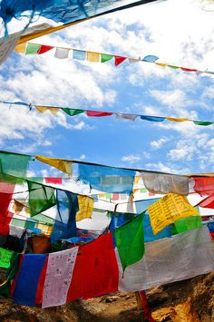 Prayer Flags Buddha Buddhism, Tibetan Buddhism, Nature Story, Surprises For Husband, Spiritual Prayers, Flag Photo, Prayer Flags, Lhasa, Yoga