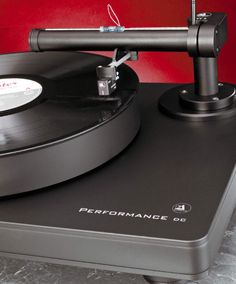 Clearaudio Performance DC with TT5 tangential tonearm.