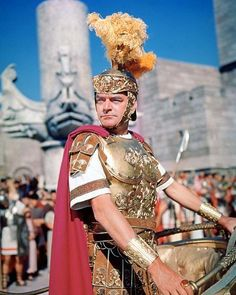 A gallery of Ben-Hur publicity stills and other photos. Featuring Charlton Heston, William Wyler, Stephen Boyd, Haya Harareet and others. Epic Film, Epic Movie, Kirk Douglas, Martin Scorsese, Stanley Kubrick, Alfred Hitchcock, Hollywood Actor, Classic Hollywood, Hollywood Dress