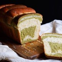 Matcha, Hokkaido Milk Bread, Pan Bread, Food, Cookie Recipes, Dough Balls, Homemade Breads, Snare Drum, Eten