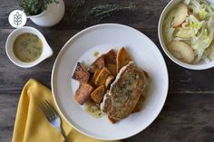 Côtelettes de Porc et Salade de Prunes-Fenouil et Patates Douces Rôties