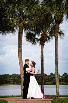 Disney Wedding. Orlando Wedding Photographer- Regina Hyman Photography- Destination Wedding Photographer- Disney Weddings- Disney Wedding Photographer www.reginahymanphoto.com