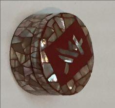 「螺鈿「亥」字香合」の画像検索結果