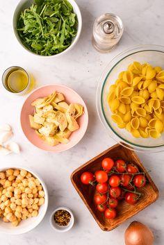 No-mayo summer pasta salad Light Summer Dinners, Summer Pasta Salad, Quick Weeknight Meals, No Calorie Foods, Artichokes, Arugula, How To Cook Pasta, Plant Based Recipes, Fresh Herbs