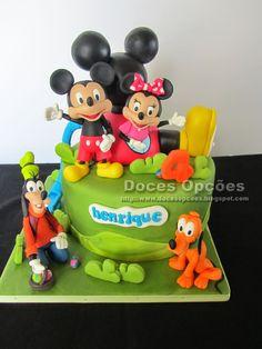 Doces Opções: Bolo com o Mickey e amigos