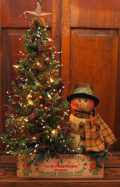 Christmas Tabletop, Prim Christmas, Winter Christmas, Vintage Christmas, Christmas Wreaths, Cowboy Christmas, Father Christmas, Primitive Christmas Decorating, Country Christmas Decorations