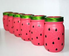 Enjoy the best watermelon birthday party ideas ever found online! A party theme with pink and green or pink and red combination would be very attractive! Mason Jar Party, Mason Jars, Mason Jar Crafts, Canning Jars, Watermelon Crafts, Watermelon Ideas, Watermelon Birthday Parties, Watermelon Party Decorations, Pot A Crayon