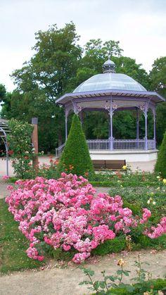 Belfort, Roseraie - [Société d'Horticulture de Franche-Comté et des amis des Jardins Botaniques]