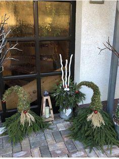 Weihnachtswichtel aus Tannen und Moos