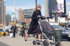 Roller Buggy: para as mães que não podem perder tempo, para as mães que querem se exercitar enquanto levam seus filhos para passear ou para as mães que querem deixar o passeio mais emocionante. #bebê #baby #carrinho #patinete