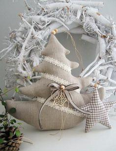 Хочу поделиться с вами подборкой фото текстильных идей для интерьера в стиле Landhause (загородного дома). Меня очень тронули эти милые розовые слоники, совята, зайчики. Возникло много идей, использовать их можно, на мой взгляд, по любому случаю – от Дня Рождения до Нового года, включая все влюбленные дни, Пасху... и просто для души. Они просты и легки в изготовлении, выкройку можно снимать с фото. Приятного просмотра!
