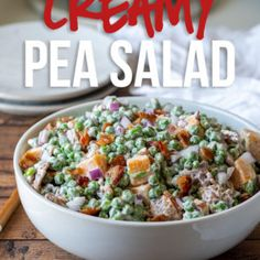 This 15 minute, Creamy Pea Salad Recipe an easy side dish that is filled with sweet peas, crispy bacon and cheese in a creamy sauce. Side Dishes Easy, Side Dish Recipes, Corn Recipes, Yummy Recipes, Creamy Peas, Creamy Corn, Raspberry Pretzel Salad, Creamy Avocado Pasta, Pea Salad Recipes