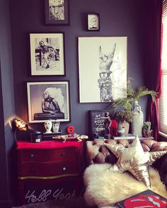 DIY Home Decor, house decor plan number 6578003415 for the surprisingly charming room decor. Dark Living Rooms, Living Room Decor, Bedroom Decor, Deco Boheme, Up House, Dark Interiors, Room Inspiration, Colour Inspiration, Apartment Living