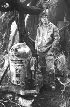 Star Wars: The Empire Strikes Back (Episode V) - R2-D2 & Mark Hamill as Luke Skywalker on-set