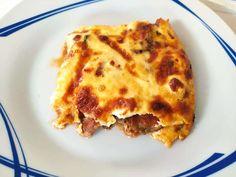"""Νόστιμη συνταγή μαγειρικής από """"Lilqna Petrova-ΣΥΝΤΑΓΟΠΑΡΕΑ"""" Υλικά 2 μέτριες μελιτζάνες κομμένα σε κύβους 1 μεγάλο ξερό κρεμμύδι 2-3 σκελίδες σκόρδο 2 ντομάτες στο τρίφτη 200 γραμμάρια σάλτσα ντομάτα 150 γραμμάρια Φέτα 6-8 φέτες μοτσαρέλα ψιλοκομμένη 1/2 ματσάκι μαϊντανό Lasagna, Cooking, Ethnic Recipes, Food, Kitchen, Essen, Meals, Yemek, Brewing"""