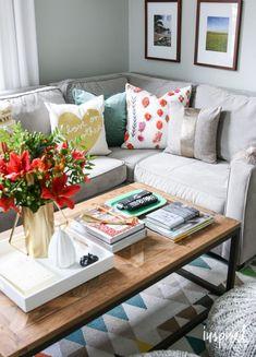 Living Room Decor - Fall Home Tour | inspiredbycharm.com #livingrooms