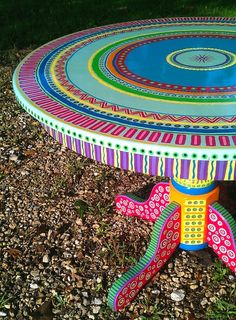 painted round table