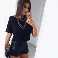 Trendy Fashion Outfits Women Night Jeans Ideas, , My Style - My Favorite, Mode Outfits, Short Outfits, Casual Outfits, Casual Night Out Outfit, Club Outfits, Party Outfit Casual, Vegas Outfits, Dinner Outfits, Casual Shorts