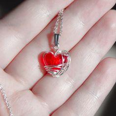 Imprisoned Heart Necklace    megLAByte