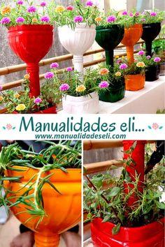 Outdoor Garden Decor, Garden Yard Ideas, Garden Crafts, Garden Projects, Garden Art, House Plants Decor, Plant Decor, Primitive Garden Decor, Plastic Bottle Crafts