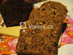 Chleba plný ovoce, rozinek a ořechů. Recept vhodný i pro sváteční chvíle. Bread Bun, Banana Bread, Buns, Food, Essen, Meals, Yemek, Po' Boy, Eten