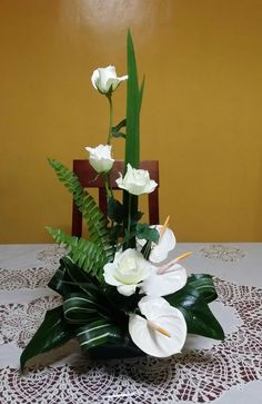 Risultati immagini per cvjećarne zagreb Contemporary Flower Arrangements, Tropical Floral Arrangements, Large Flower Arrangements, Altar Flowers, Church Flowers, Funeral Flowers, Flowers Garden, Arte Floral, Deco Floral