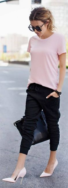 Cute Casual Chic Outfits, January 2016 Black Slim Jogger Pants Top Pink Tee by Hello Fashion Fashion Mode, Look Fashion, New Fashion, Sporty Fashion, Fashion Ideas, Street Fashion, Fashion Outfits, Trendy Fashion, Fall Fashion
