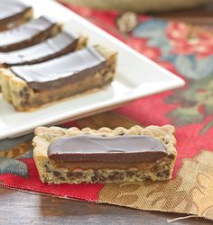 Chocolate chip caramel tart
