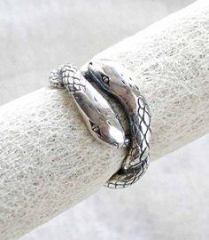 Obra de artesanía: Anillo doble serpiente Artesanos de la tierra
