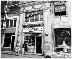 Fotos de antiguas tiendas y comercios de Zaragoza-Rafael Castillejo- Broadway Shows, Ghibli, Zaragoza, Antique Photos, Tents, Cities, Fotografia, Pom Poms, Souvenirs