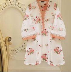 Fancy Dress Design, Stylish Dress Designs, Ladies Dress Design, Stylish Dresses, Simple Dresses, Casual Dresses, Stylish Shirts, Simple Shirts, Pakistani Fashion Party Wear