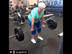 This is inspiring: a old woman lifted weights despite his age - http://webonnoticias.com/this-is-inspiring-a-old-woman-lifted-weights-despite-his-age/