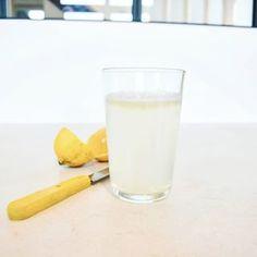 Sunday morning feel good drink !  30 min before breakfast. Room temperature !! ???????????????????????? La boisson qui fait du bien un Dimanche matin.  30 min avant le petit déjeuner. Température ambiante !! #instafood #detox #feelgood