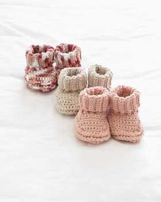 Free baby bootie crochet pattern from Bernat. Need to sign up as a member to download free patterns. (Note to self: see crochet notebook)