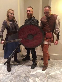 Absolutely amazing Lagertha costume!