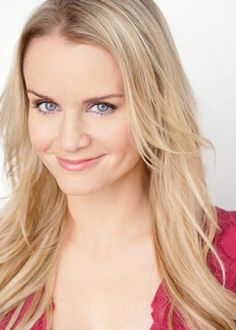 Interview: Kate Reinders Talks an Awkward Audition, Leaving College to Move to NYC and Broadway's 'Something Rotten' - Daily Actor