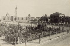 OTTOMAN SOLDIERS AND THE MOSQUE AT BEERSHEBA, 1917