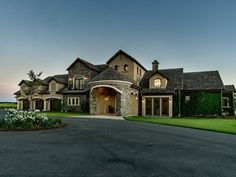 Extraordinary Property of the Day: Grand Lakefront Manor in Sacramento, California