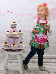 Childrens Apron Sewing Pattern | My Childhood Treasures