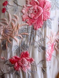1920s Embroidered Kimono #embroidery