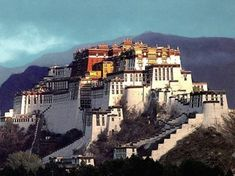 The Pokara in Tibet is an earth rammed structure. Rammed earth has been popular in Nepal and Tibet for thousands of years. Plaster is a popular finishing technique. Nepal, Cool Places To Visit, Places To Go, Places Around The World, Around The Worlds, Beautiful World, Beautiful Places, Le Tibet, Rammed Earth Homes