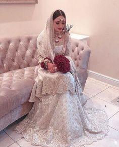 Latest Bridal Dresses, Fancy Wedding Dresses, Asian Wedding Dress, Bridal Outfits, Pakistani Bridal Makeup, Pakistani Fashion Party Wear, Indian Fashion Dresses, Pakistani Bridal Dresses, Red Saree Wedding