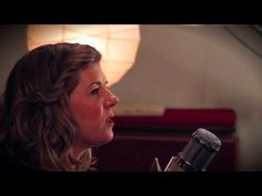 """Dar Williams - """"I Am The One Who With Remember Everything"""" live in-studio performance"""
