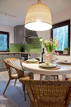 Casinha colorida: Um apartamento verde estilo campestre