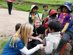 Volunteer in Peru our highly rated non-profit charity organization. Volunteer placements are based in the Maya city of Cusco Peru. Volunteer Programs, Volunteer Abroad, Education English, Teaching English, Charity Organizations, Cusco Peru, Volunteers, University, Medical