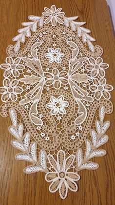 Romanian Lace, Point Lace, Crochet Designs, Sewing Hacks, Damask, Elsa, Embroidery, Angles, Pattern